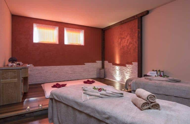 SALZANO Hotel - Spa - Restaurant in Interlaken / Wellness - Massage Raum - Paarbehandlung, Paarmassage, Partner Massage