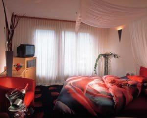 SALZANO Hotel - Spa - Restaurant in Interlaken - Urlaub, Ferien, Weekend, im Romantik Zimmer Rose Room