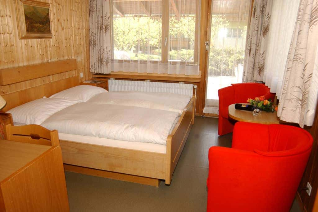 SALZANO Hotel - Spa - Restaurant in Interlaken - Urlaub, Ferien, Weekend, im Basic Zimmer